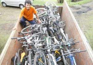 Tumpukan Sepeda diatas Truk